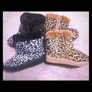 (2) Pairs Girls Printed Rubber Sole Booties